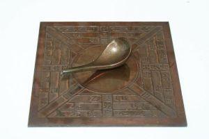 Boussole_Feng_ShuiModel_Si_Nan_of_Han_Dynasty - copie